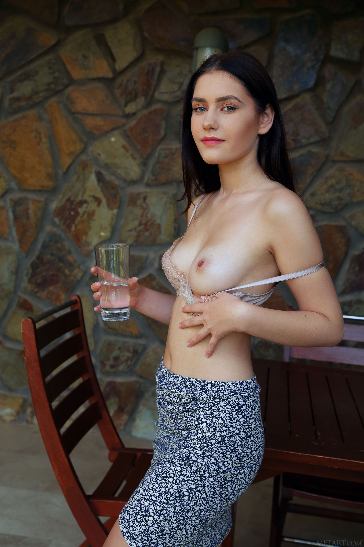 http://media.naked-woman.org/uploads/2020/04/10586_16.jpg