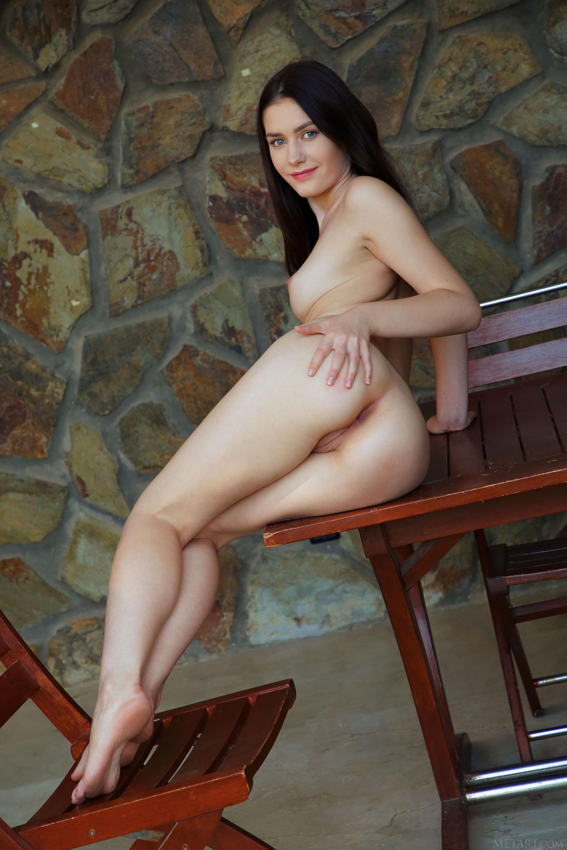http://media.naked-woman.org/uploads/2020/04/10586_62.jpg