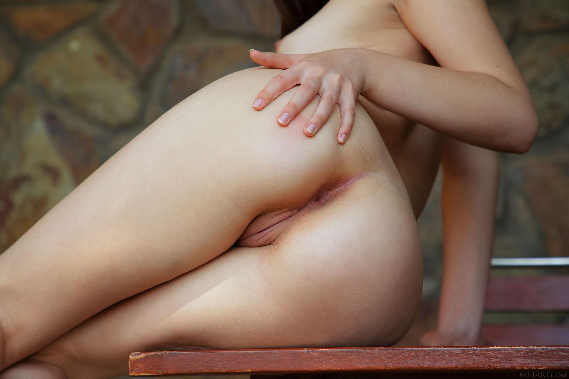 http://media.naked-woman.org/uploads/2020/04/10586_65.jpg