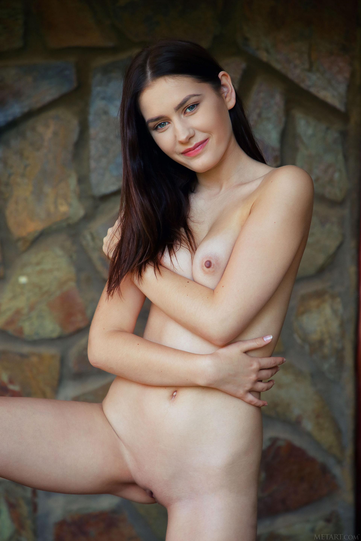 http://media.naked-woman.org/uploads/2020/04/10586_79.jpg