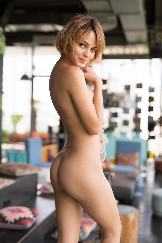 Arielle Kebbel Nude