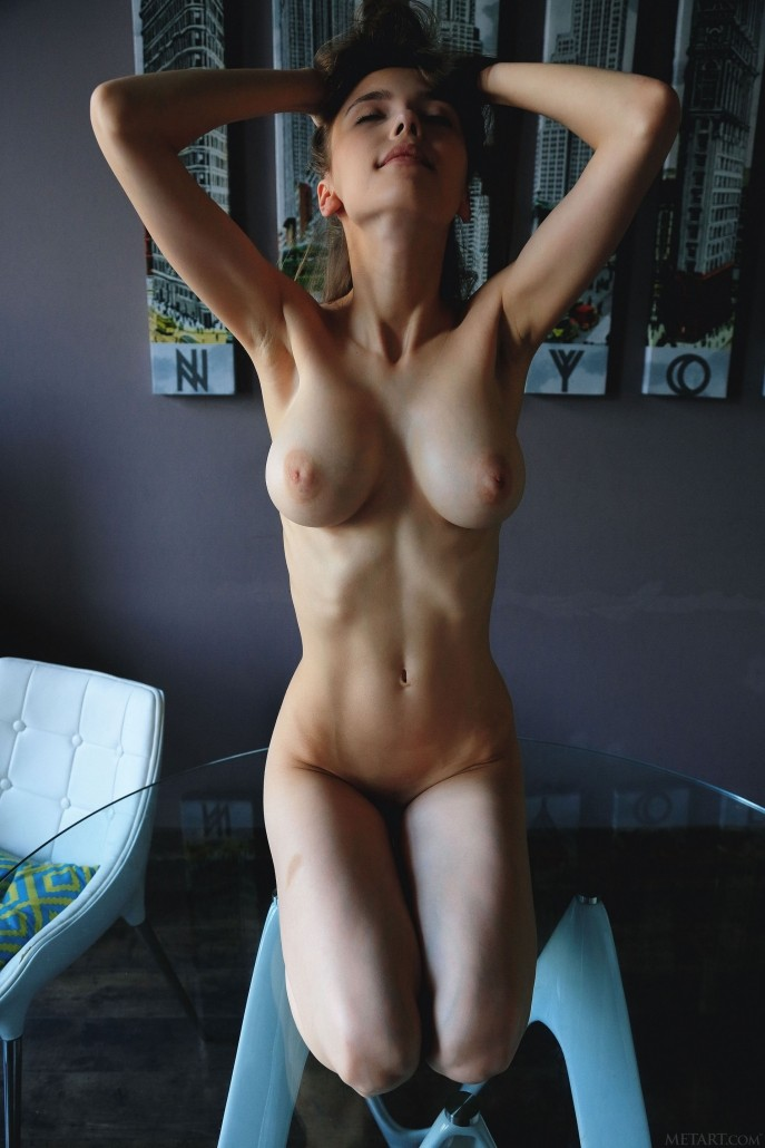 https://media.naked-woman.org/uploads/2018/09/xxx1403_84-687x1030.jpg