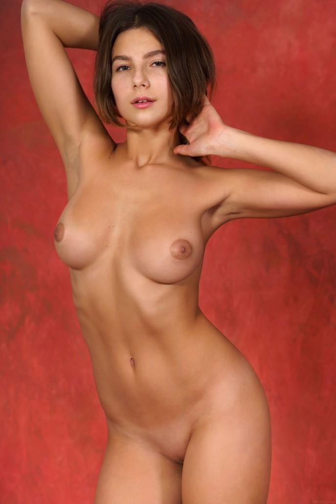 Голая Рита сексуальная развратница.