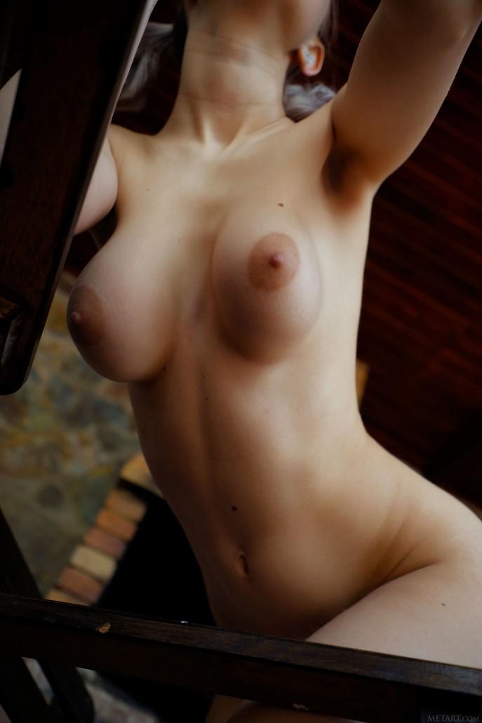 Эротические фото голой сестры друга.