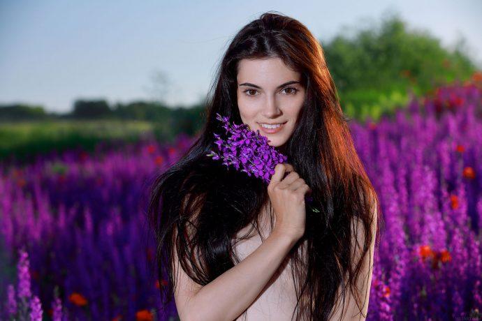 Голая таджичка по имени Александра.