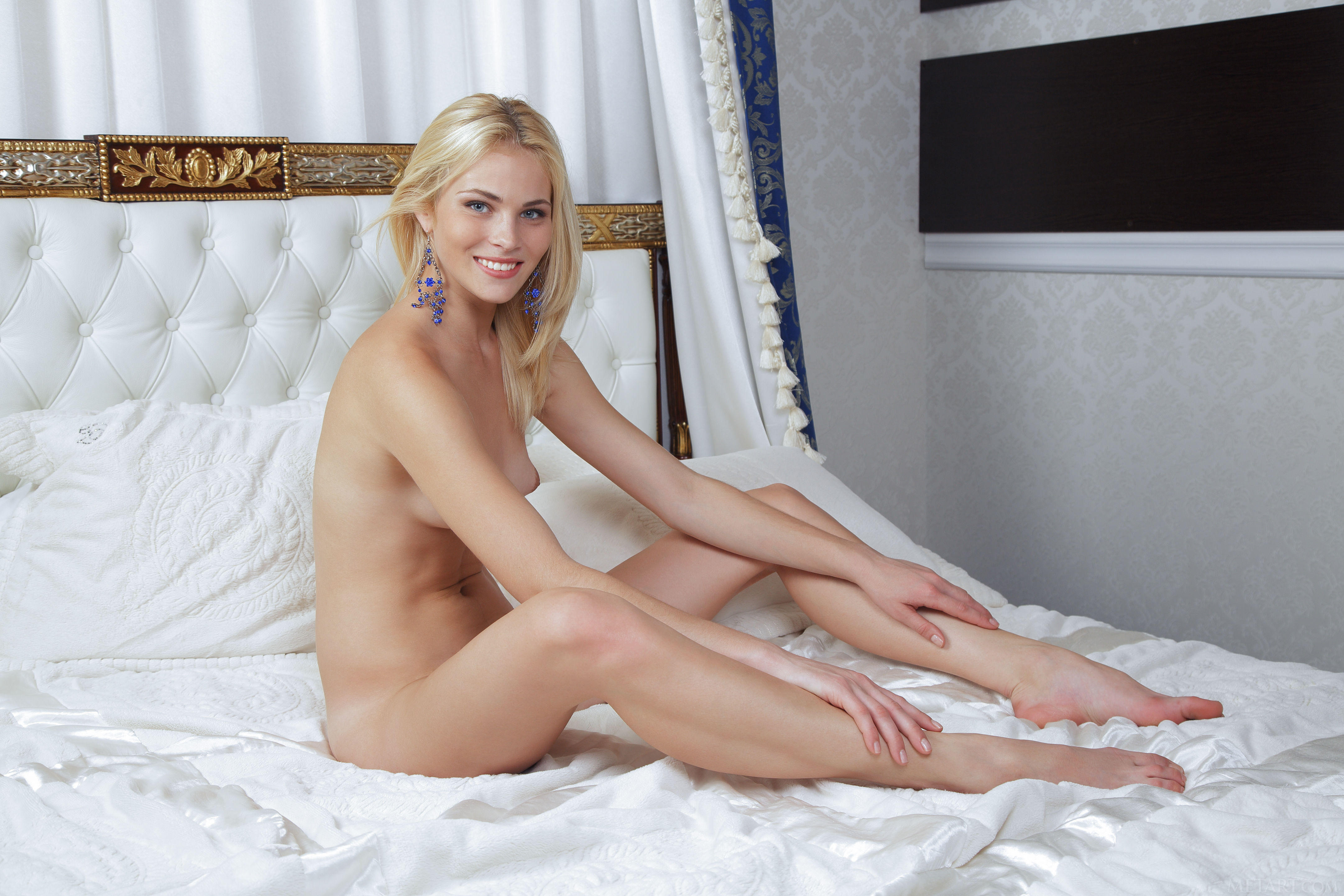 Cordelia A Nude In Blonde Cordelia A Completely In Nude Spreading Her Legs