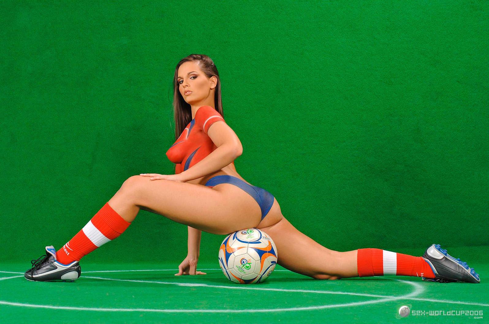 Онлайн порно голые футболистки ебутся девушки
