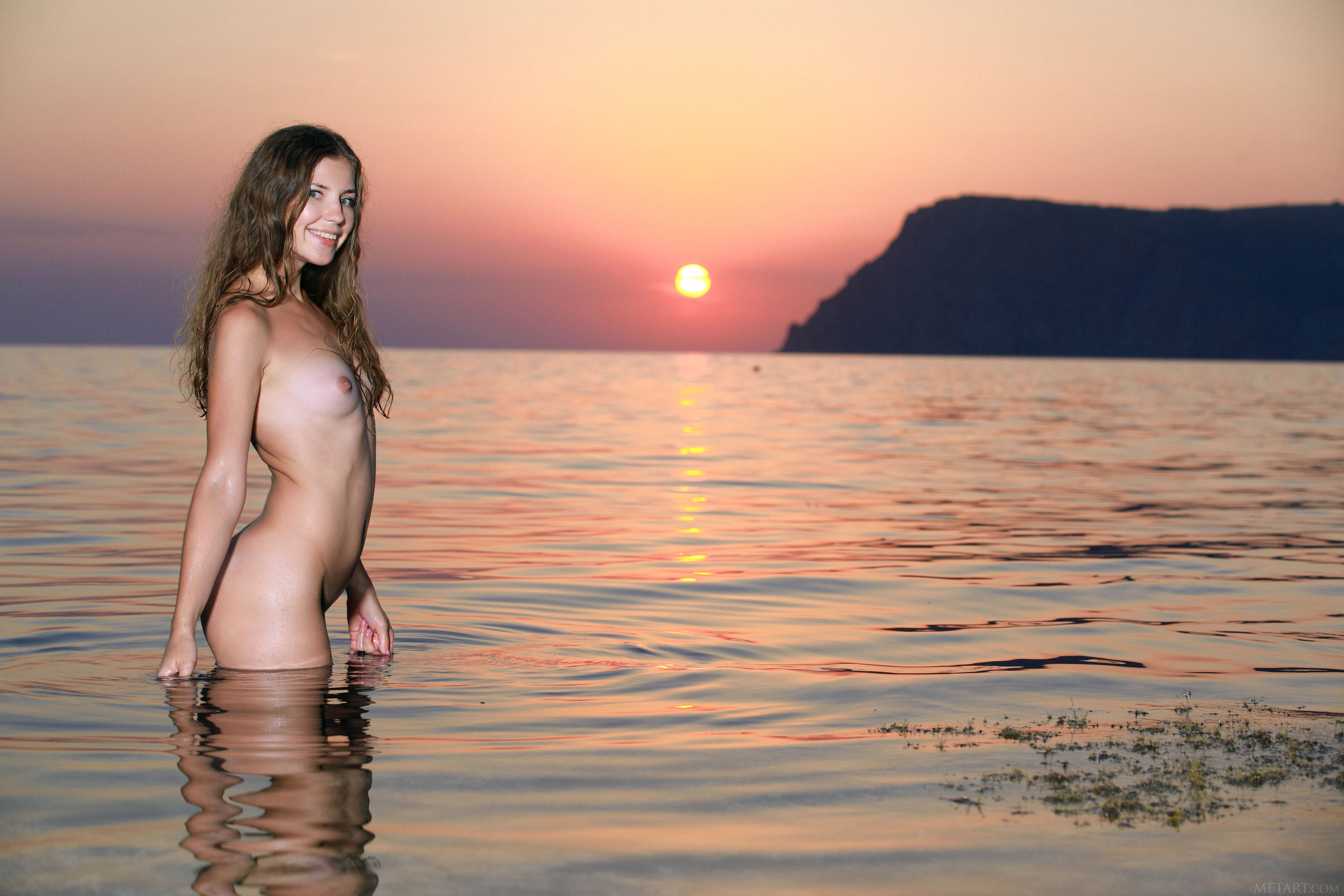 Sunset tan the olly girls nude