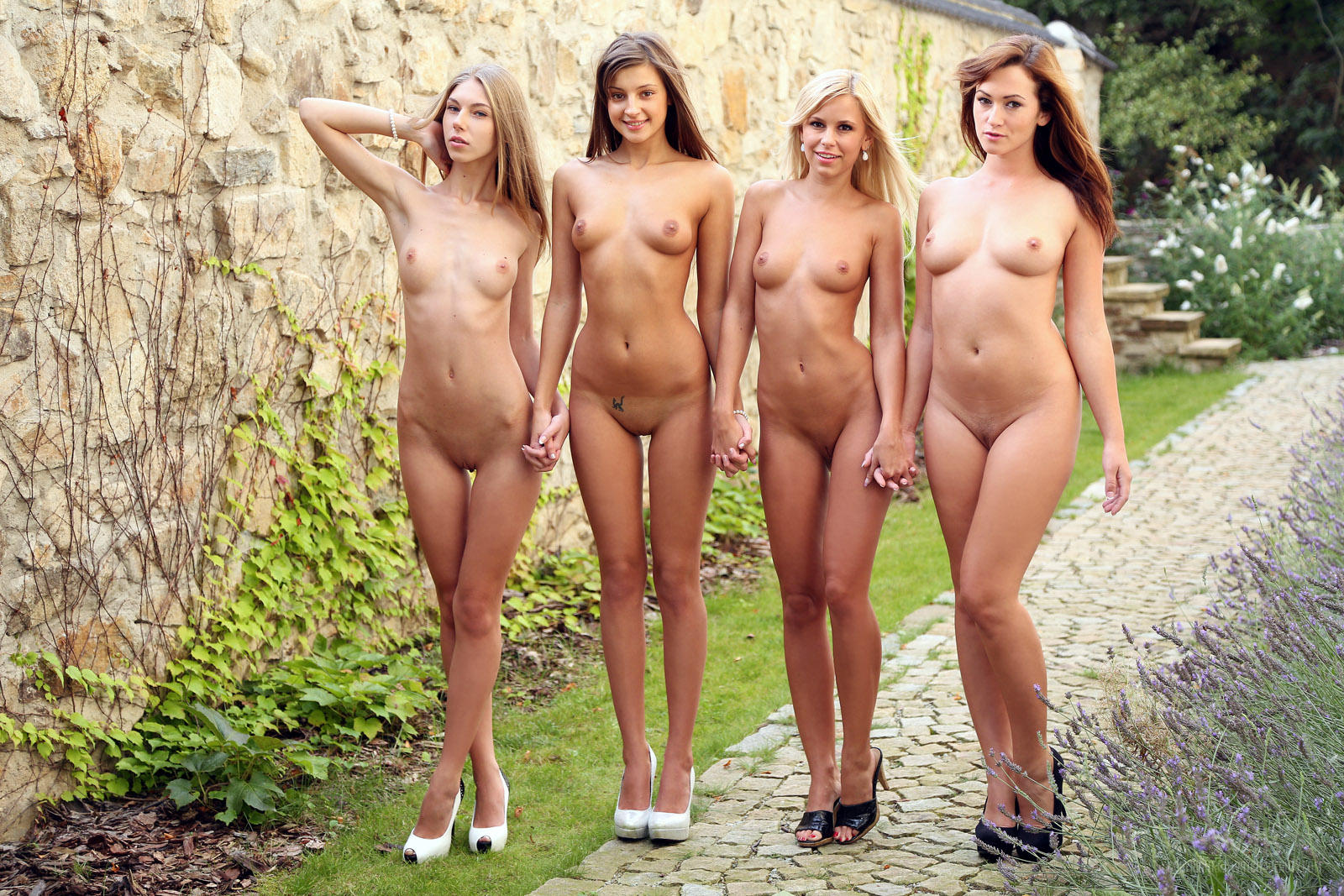 Nude girls in erotic pictures