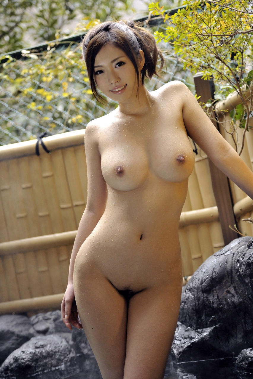 Asian girl naked picture