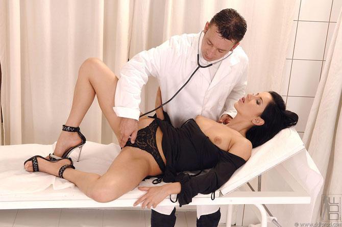 Девушек ролевые игры с сексом докторша
