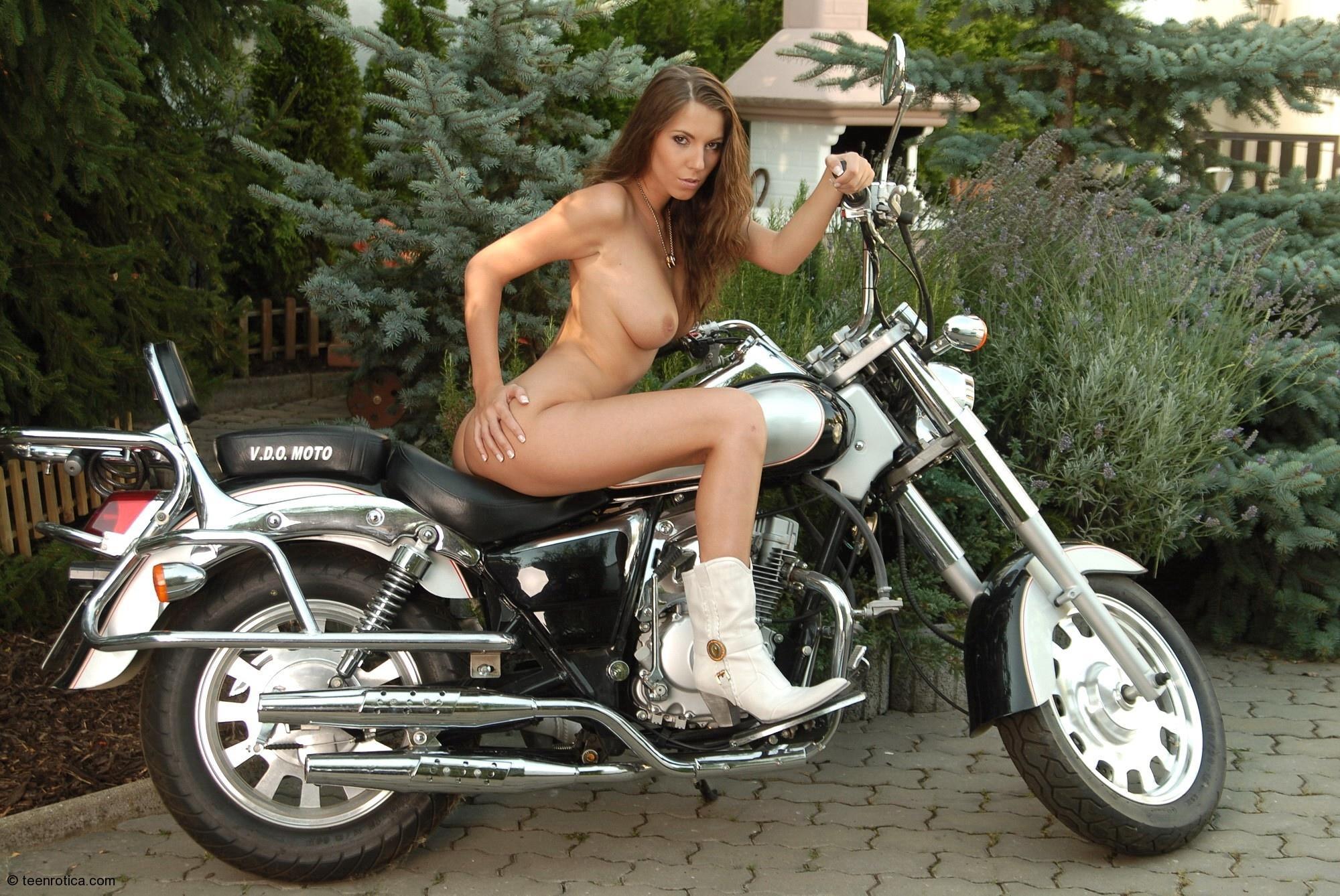 Nude girl motorcycle helmet