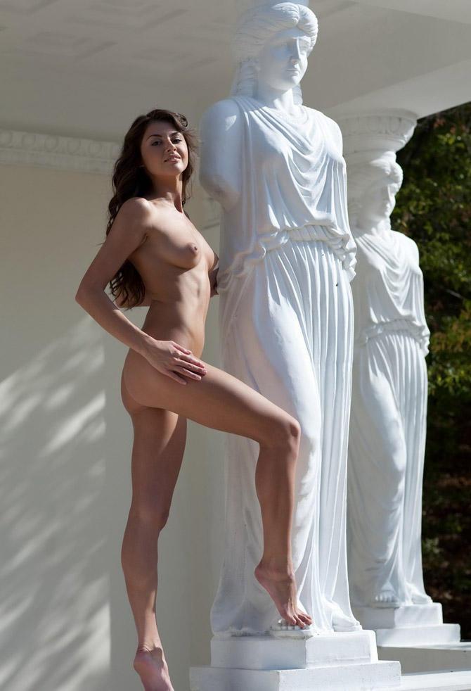greece-women-naked