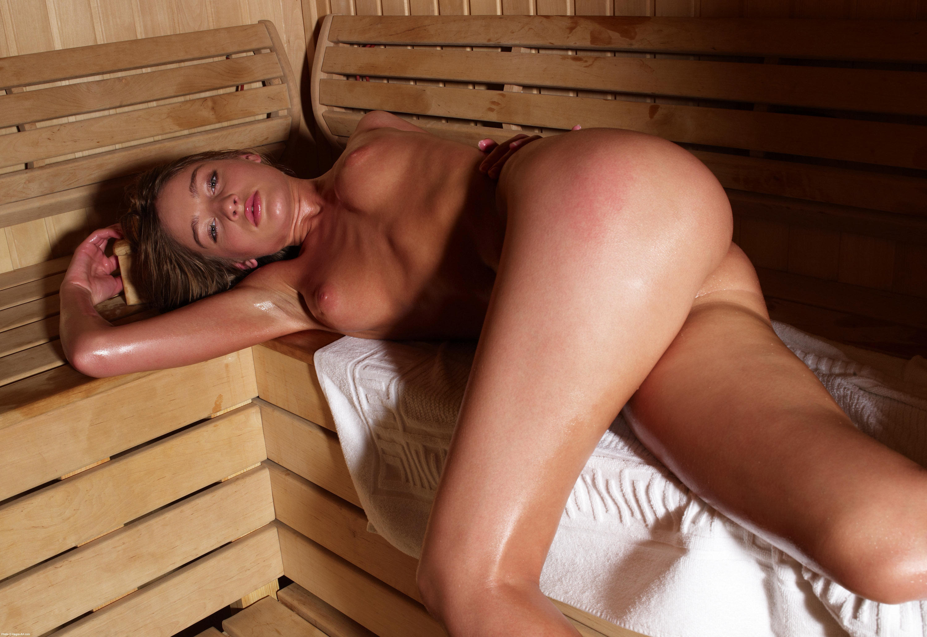 Naked Girls In The Sauna And Steam Room