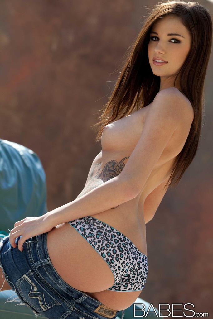 Naked european babes