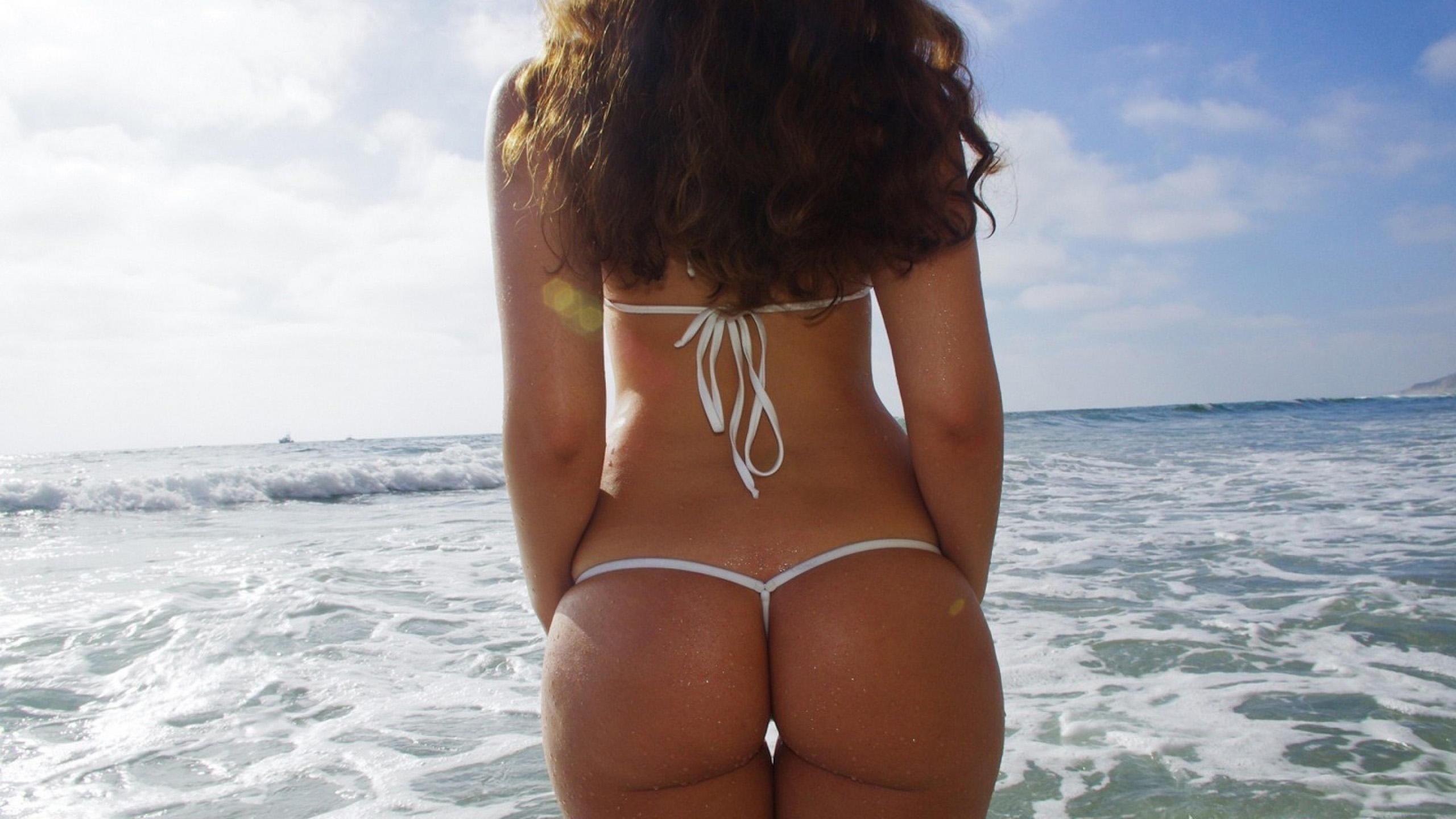 Круглые красивые попки на фото, видео девушки без трусиков крупным планом