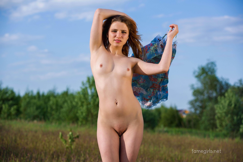 Foxy Nude Girls