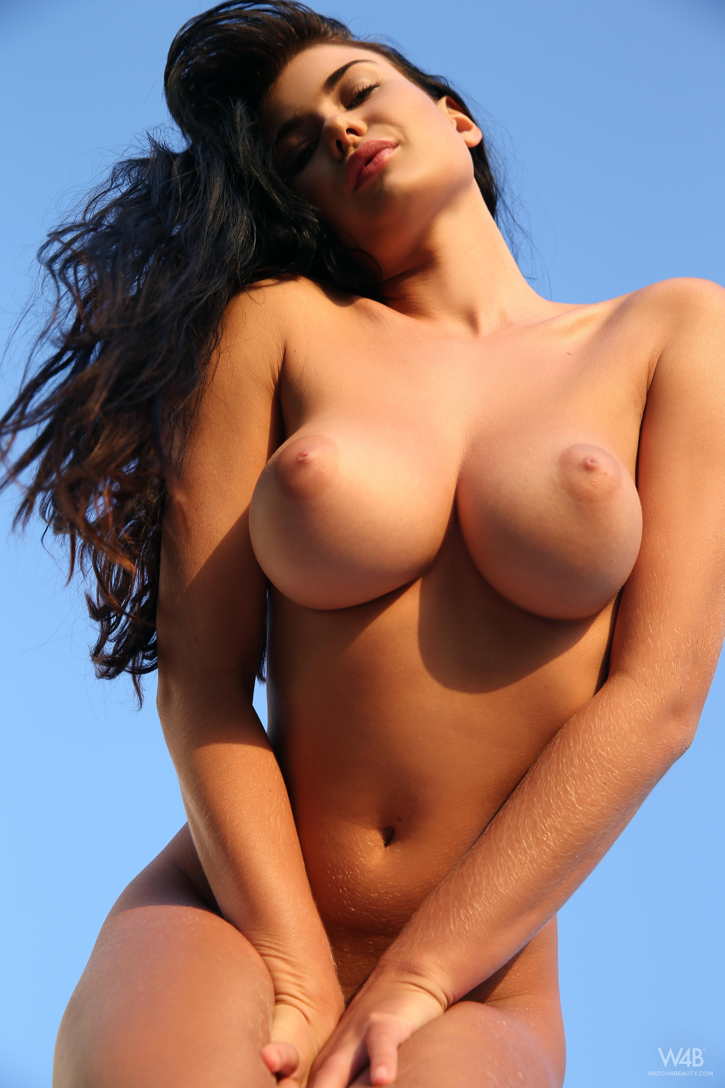Chinese Girls With Huge Breasts Naked Pictures